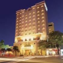 Khách sạn Duxton