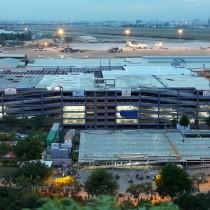Nhà để xe sân bay Tân Sơn Nhất